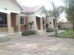 House at bwebajja on sale for 190m