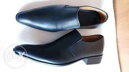 Low cut leather official shoes