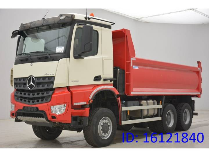 Mercedes-Benz Arocs 3336 - 6x6 - 2015