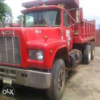 Red R Model Short Tipper Truck