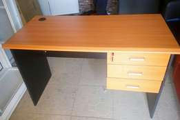Standard 4ft Office Table
