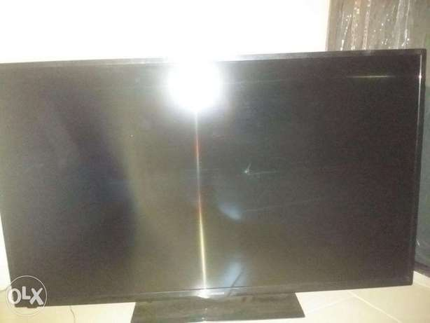 50 inch Hitachi LED tv up for Grabs...AWOOF!! Aja - image 1