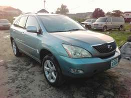 A Lexus RX330 auto drive leather interior ac OK