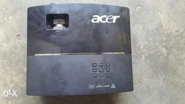 HDMI Acer 4000 Lums Projector P50205 Lagos Mainland - image 2