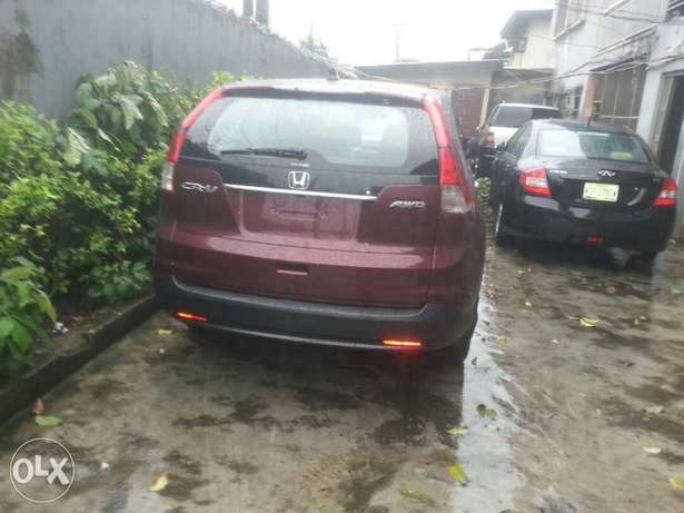 Clean toks 2012 CRV with Reverse camera and Navigation. Obanikoro - image 7