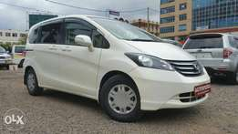 Honda Freed, Pearl white, (KCN),