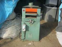 Wood Player Machine R2800.00 Neg
