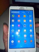 Samsung Galaxy Tab 4 White (+ Cover and Charger)