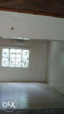 Beautiful Bungalow in Ngomg Town with Garden & Carport for 2 cars Ngong Township - image 1
