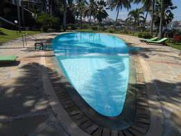 Executive 4 bedroom beach side apartment or long term let, Nyali