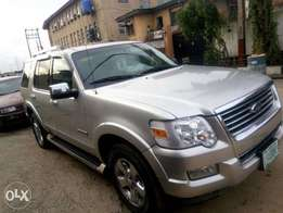 Neatly Used 2007 Ford Explorer
