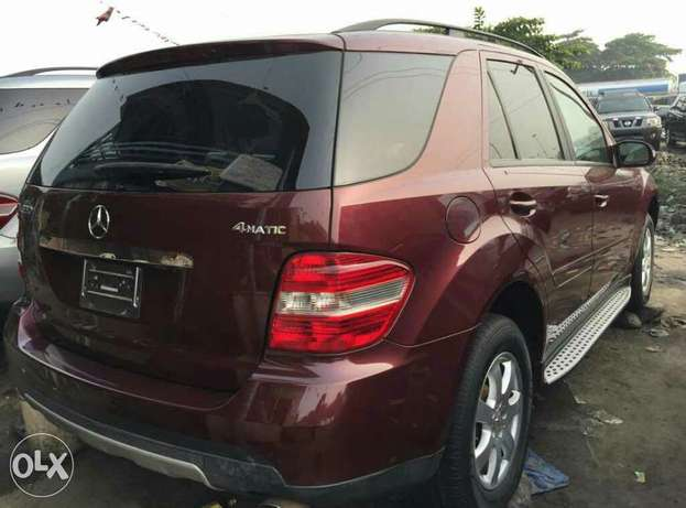 Foreign used 2006 Mercedes Benz Ml350 4matic for sale Lagos Mainland - image 4