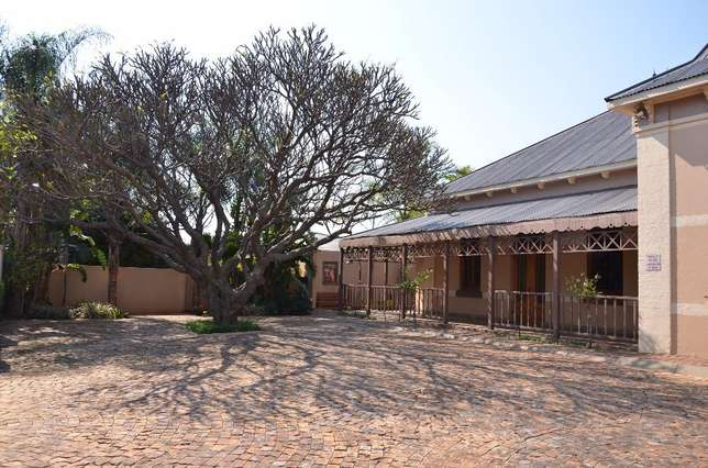 Fully furnished room with own bathroom Rustenburg - image 2