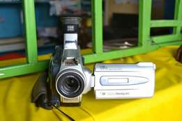 Video camera (negociable )best quality videos.
