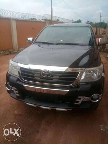 Clean Registered Toyota Hilux 2014 Automatic Port-Harcourt - image 1