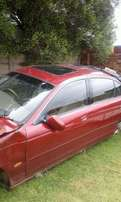 2001 jaquar accident damage but can still be Fixt n drive again