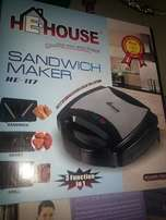 Three in one sandwich maker