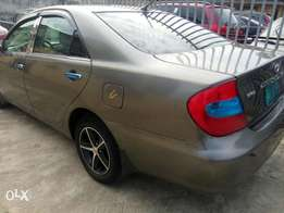 Neatly used Toyota Camry 2004 model