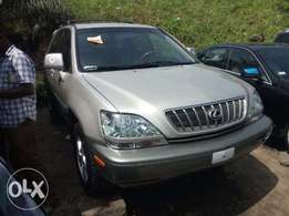 2002 Lexus Rx300 gold for sale at affordable car