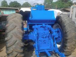 Tractors for sale,ford 9000 and Mass ey furguson capacity 1080