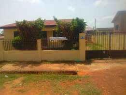 3bedroom house to let at lakeside estate, ashaley botwe