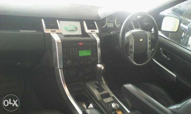 Range Rover 2700 cc X UK loaded with sunroof Mombasa Island - image 6