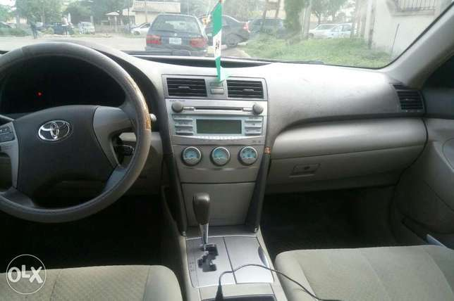 Toyota Camry locally used 2008model for sale Ikeja - image 3