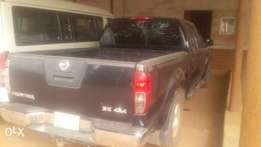 Super clean Nissan Frontier pick up 2007 model