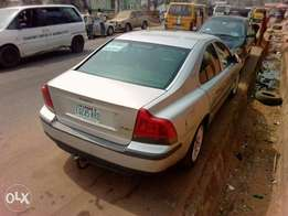 Very clean n good 2003 Volvo s60 for sale