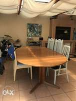 Beautiful 8-10seater dining table