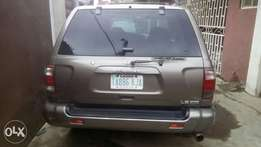 Nigerian used clean Nissan Pathfinder jeep 02 for sale