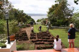 Globeturf Lawns & Landscaping. composts, Instant Lawns and Maintenance