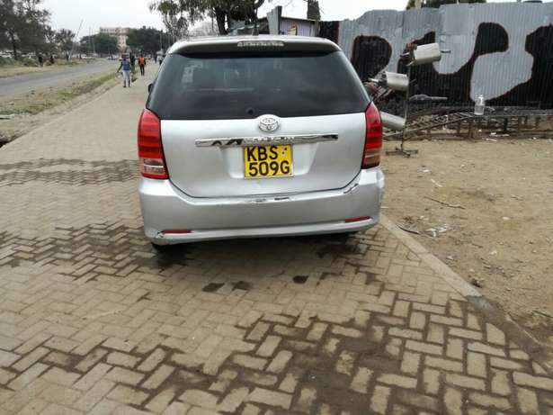 Quick sale! Toyota Wish KBS available at 670k asking price! Nairobi CBD - image 2