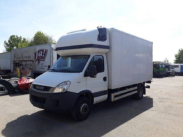 Iveco 70C17 Daily Koffer+LBW neuer Motor mit 220000km - 2011