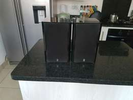 Yamaha bookshelf speakers