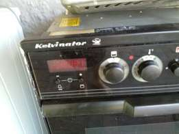 Kelvinator oven and 4 top stove for sale Port Elizabeth