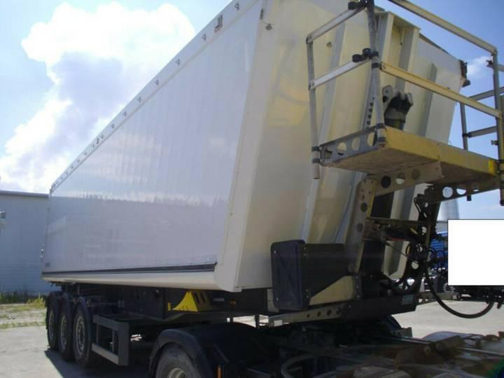Schmitz Cargobull 44 m3 + 1. Hand + Liftachse + Leer 6000 Kg + ABS - 2013