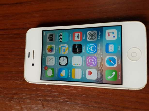 A very neat iPhone 4s 64gb/2gb Gwarinpa Estate - image 4