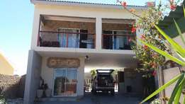Holiday-self catering Guesthouse in Bluewater Bay PE 500M from beach