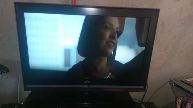 JVC 32 inch LCD for sale Mukono - image 1