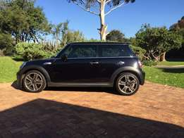 Black 2012 Mini Cooper S 51346km With 2 Year Motor Plan