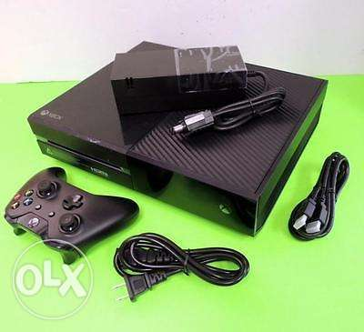 Xbox 1 500gb very clean comes with all accessories Nairobi CBD - image 1