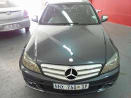 2008 Mercedes Benz C200 Compressor, Color Blue, Price R160,000.