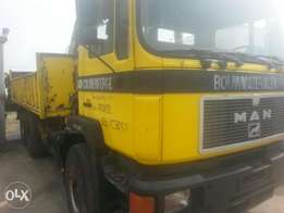 Tincan cleared tokunbo man hiab 7 tons truck