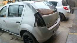 Stripping for parts Renault Sandero 1.6 8v 2010