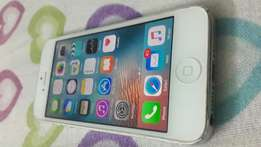 Very clean iphone 5 in excellent condition on quick sale!!