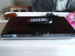 Sasumg model no.D530/xa dvd plyer with remote for sale in kleinmod.
