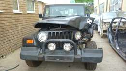 Stripping for parts Jeep Wrangler Sahara 4.0
