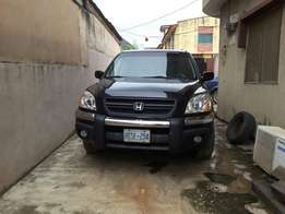 Super Clean 2005 Honda Pilot. Tokunbo. Accident free. Lagos Cleared