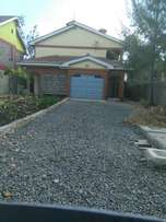 4bdrm to let own compound